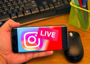 how to instagram live stream and facebook live stream